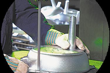 הכלים של Woll - ייצור ביד אומן וטכנולוגית הייטק